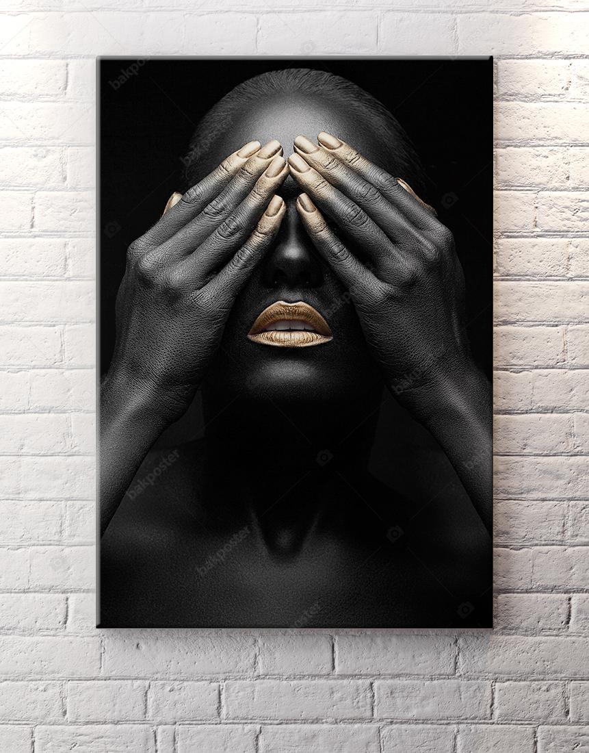 Altın ve Siyahi Kadın Poster